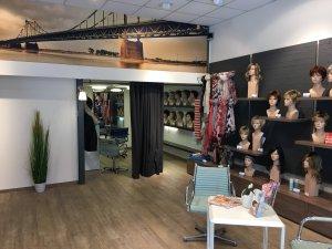Hell, modern und mit diskretem Frisierplatz: Das neue Lofty Fachgeschäft in Krefeld in der Königstraße 147